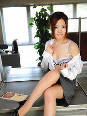 Arousing Iroha Kawashima strips at her work - Japarn porn pics at JapHole.com