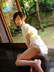 Cute slim teen Aoba Itou poses on the floor - Japarn porn pics at JapHole.com
