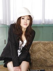 Sensual babe Yu Yamashita teases and poses