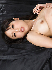 Yokoyama Natsuki cum on feet - Japarn porn pics at JapHole.com