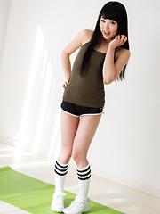 Sexy model Yui Kawagoe - Japarn porn pics at JapHole.com