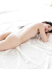 Kasugano Yui sexy legs - Japarn porn pics at JapHole.com