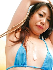 Hina Aisawa Asian in blue lingerie gets sperm between her boobs