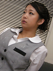 Satomi Suzuki really likes cum on her outfit - Japarn porn pics at JapHole.com