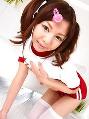 Hot Japanese gal Hikaru Aoyama shows offtodo - Japarn porn pics at JapHole.com