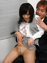 Hot slut Arisa Suzuki blows three peckers