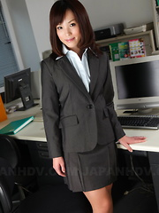 Meet this hot office darling Arisa Suzuki