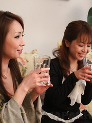 Lesbo gals Yuko and Ryo Shinohara want sex