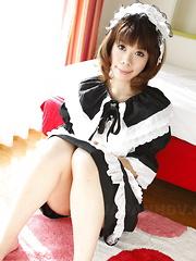 Uniformed Asian gal Sakura Aragaki shows off