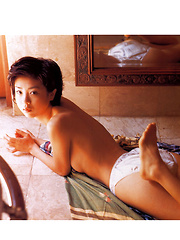 Aki Hoshino Asian tries to hide cans and shows appetizing behind - Japarn porn pics at JapHole.com